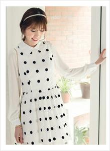 黑白纹长裙